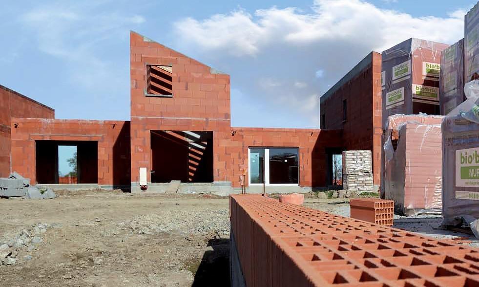 Bio 39 bric sp cialiste de la brique terre cuite et brique for Prix maison en brique